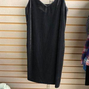 NEW W/ TAGS VELVET DRESS